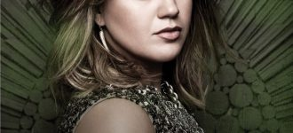 Kelly Clarkson to host live webcast today for new single