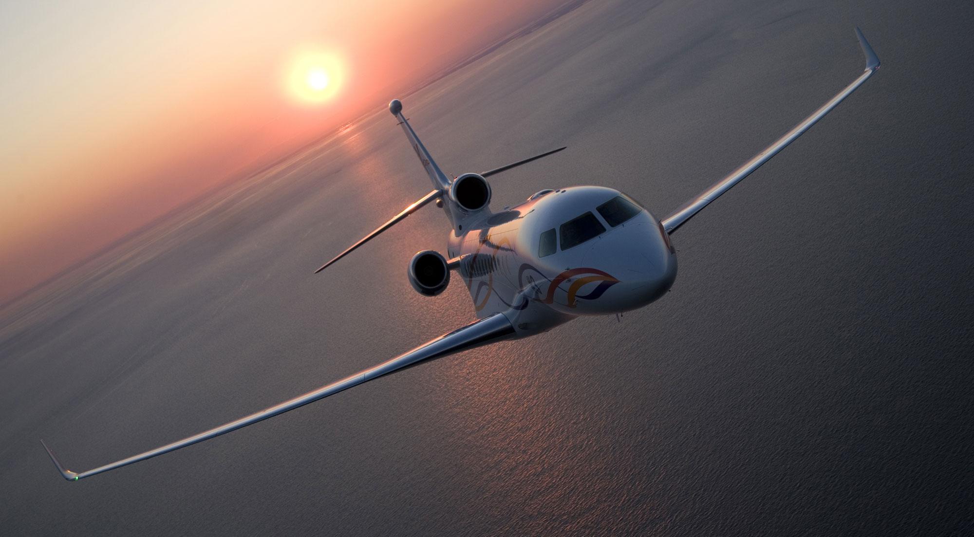 Dassault-Falcon-7X-jet-charter