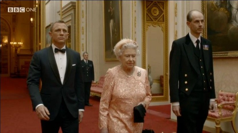 daniel-craig-and-the-queen-2012-olmpics