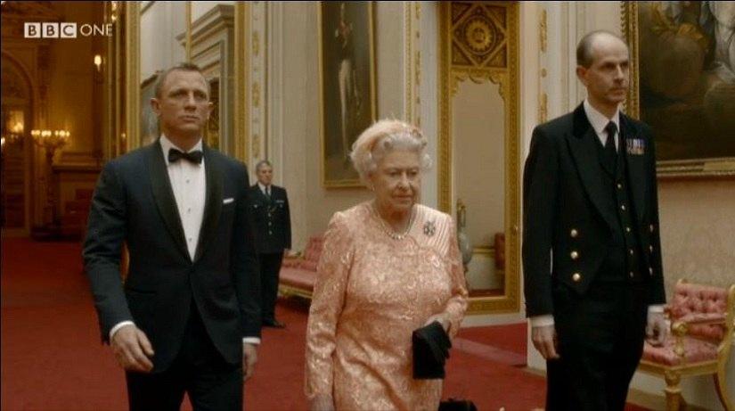 daniel-craig-and-the-queen-2012-olmpics