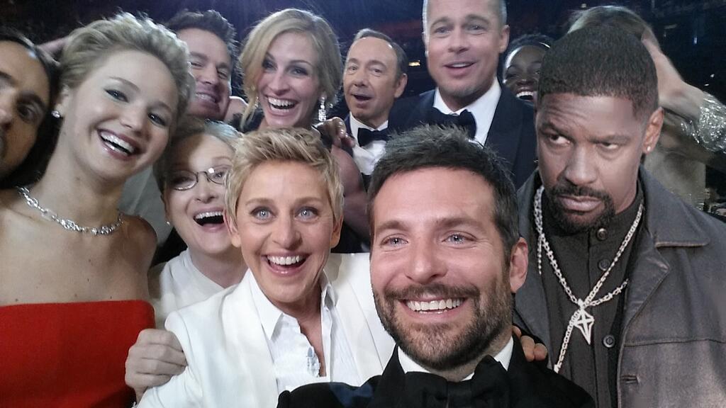 Oscars-selfie-denzel-washington