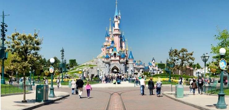 Disneyland-Paris-evacuated