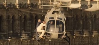 Daniel Craig is climbing a helicopter in new Spectre trailer