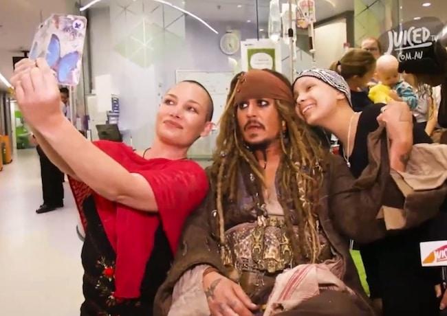 Johnny-Depp-hospital-visit