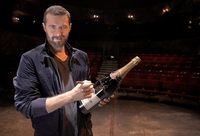 Richard-Armitage-Old-Vic-Theatre-auction