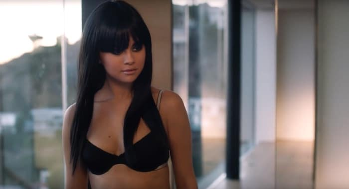 Selena-Gomez-Black-lingerie-music-video